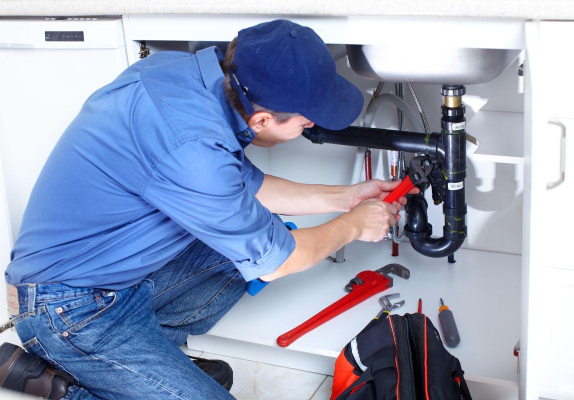Fachowa pomoc hydraulika, część 2.: Najczęstsze usterki w kuchni
