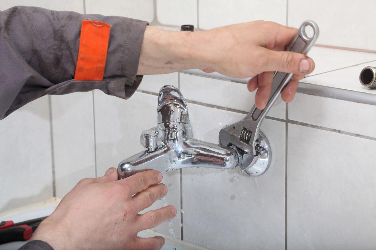 Czyszczenie kanalizacji w łazience Poznań